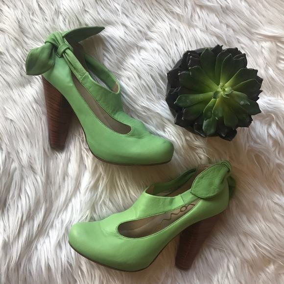 Dione Lime Green Leather Heels Preloved!